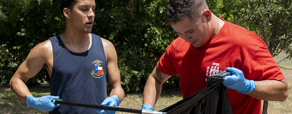 NMETLC Sailors conduct community volunteer project